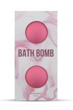2 Bombes de bain Flirty - Dona : Détendez vous dans le bain avec les bombes de bain Dona Flirty délicatement parfumées aux baies rouges.