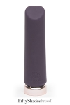 Mini vibro Crazy for you - Fifty Shades Freed - Un mini vibro haute qualité en silicone, rechargeable, spécial stimulation clitoridienne, par Fifty shades of Grey.